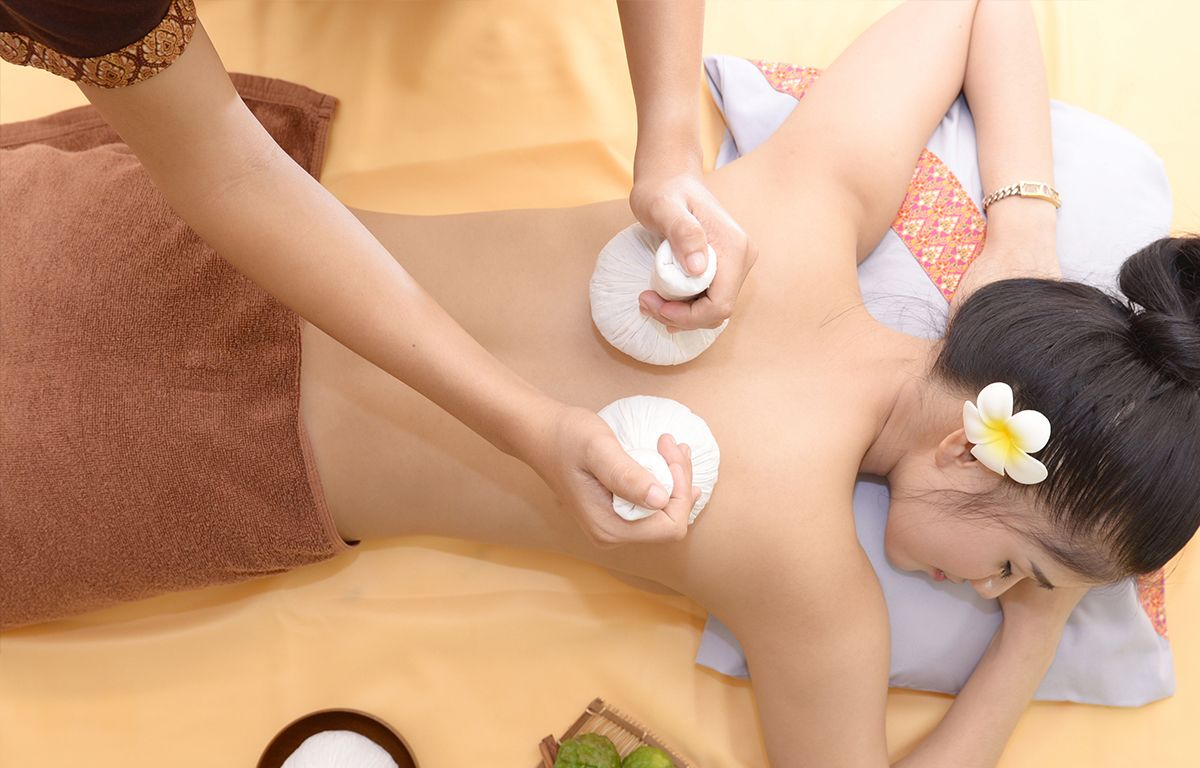 Thai Kräuterstempel Massage Chok Dee Hamburg